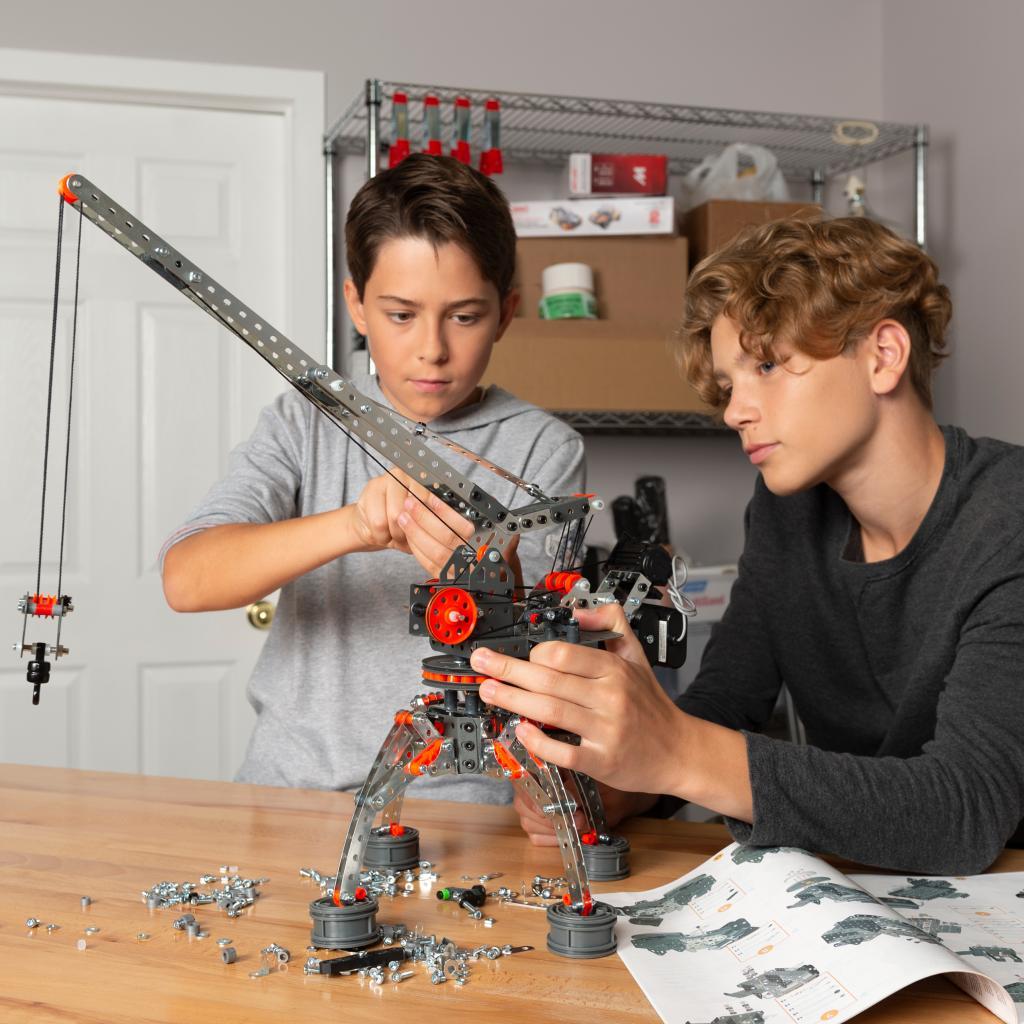 638 Parts For Ages Meccano Erector Super Construction 25-in-1 Building Set