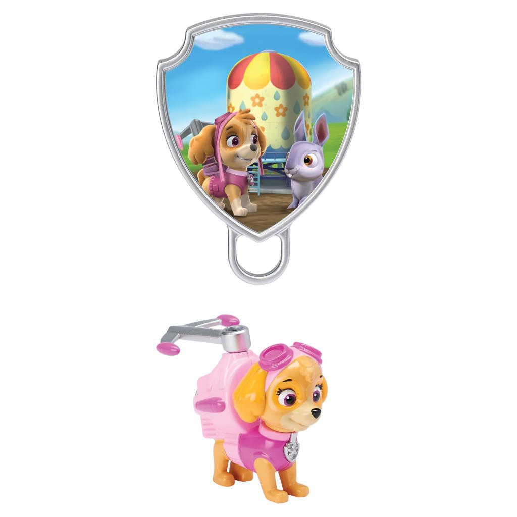 Action Pack Skye with Extendable Hook and Pup Badge | PAW Patrol